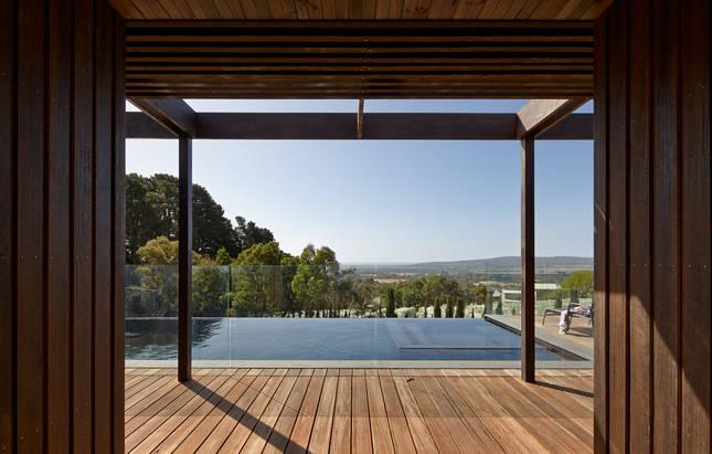 Award Winning Property with Vines and Views – Red Hill