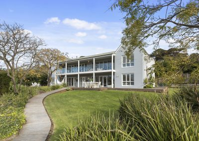 """The Nest"" – Hamptons Coastal Retreat in Mt Martha"