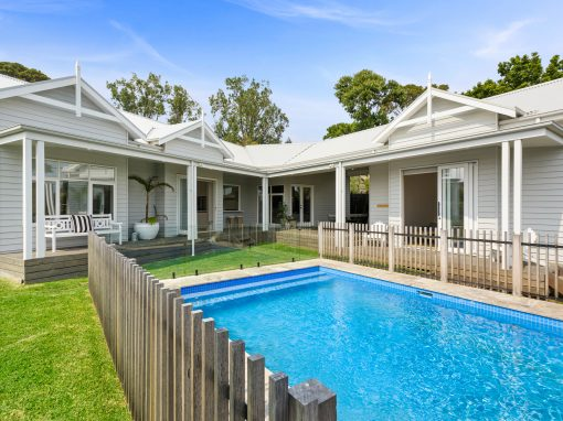 Holiday Bliss by the Beach – 5 Bedrooms – Pool – Air Con